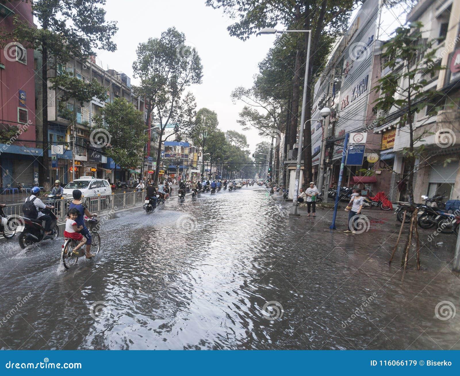 Nach Dem Monsunregen In Ho Chi Minh Stadt In Vietnam Redaktionelles