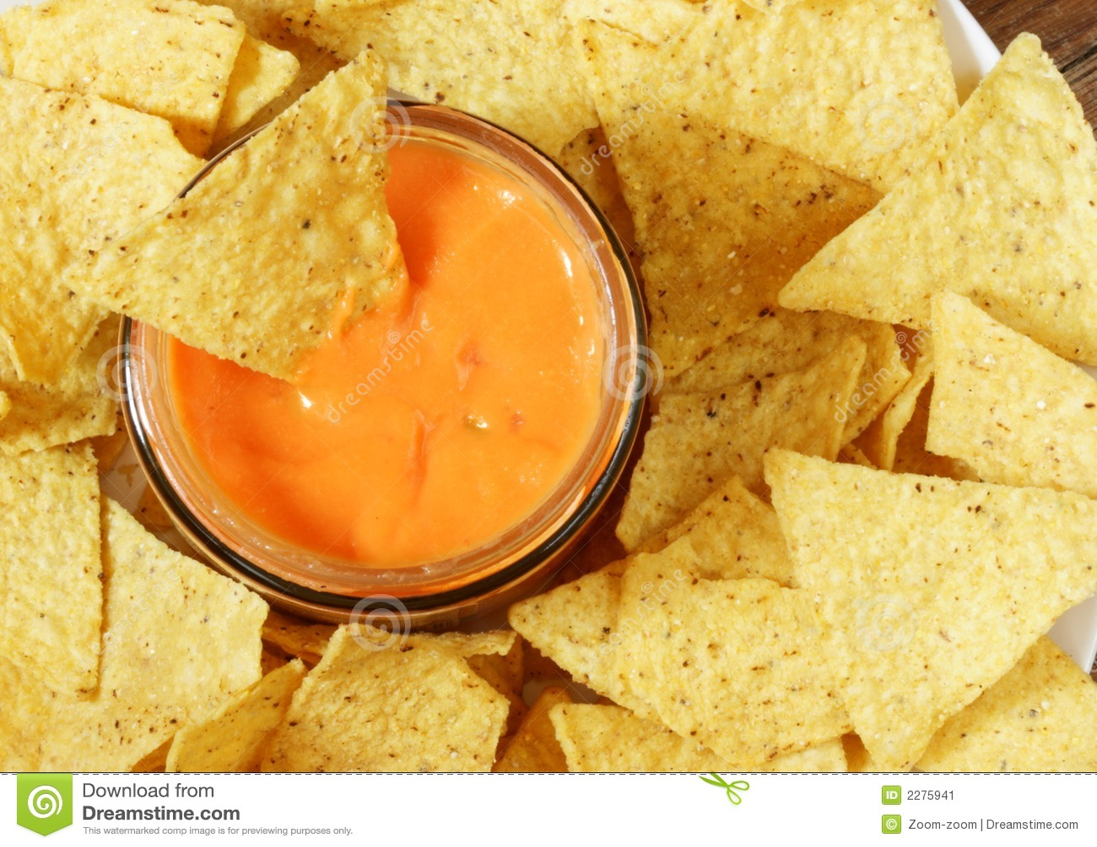 Nachos and sauce