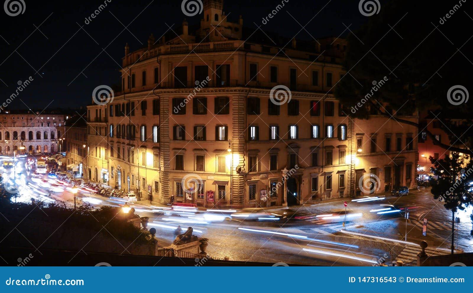 Nachtkreuzungen in Rom
