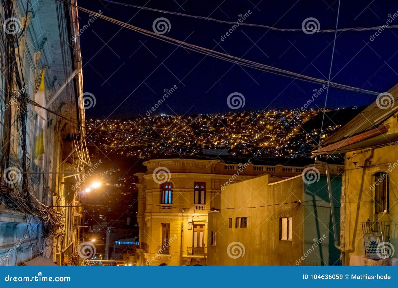 Download Nachtmening Naar Bergenla Paz Bolivia Redactionele Stock Afbeelding - Afbeelding bestaande uit metropolis, stad: 104636059
