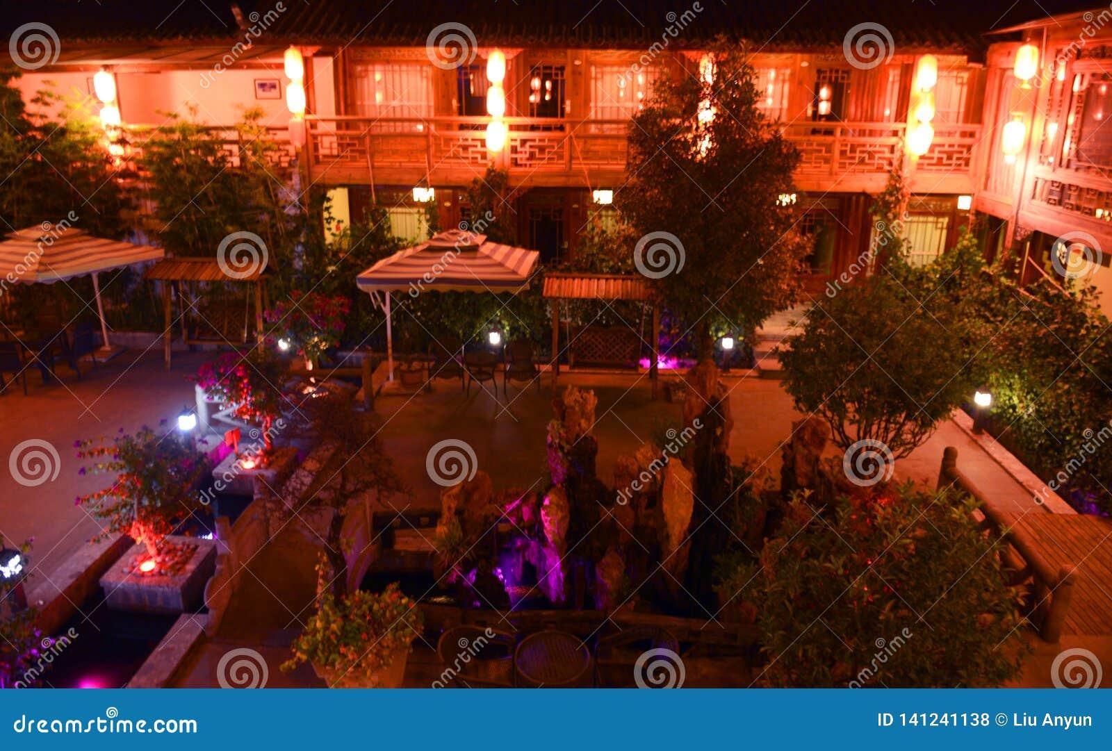 Nachtmening van lijiang shuhe oude stad