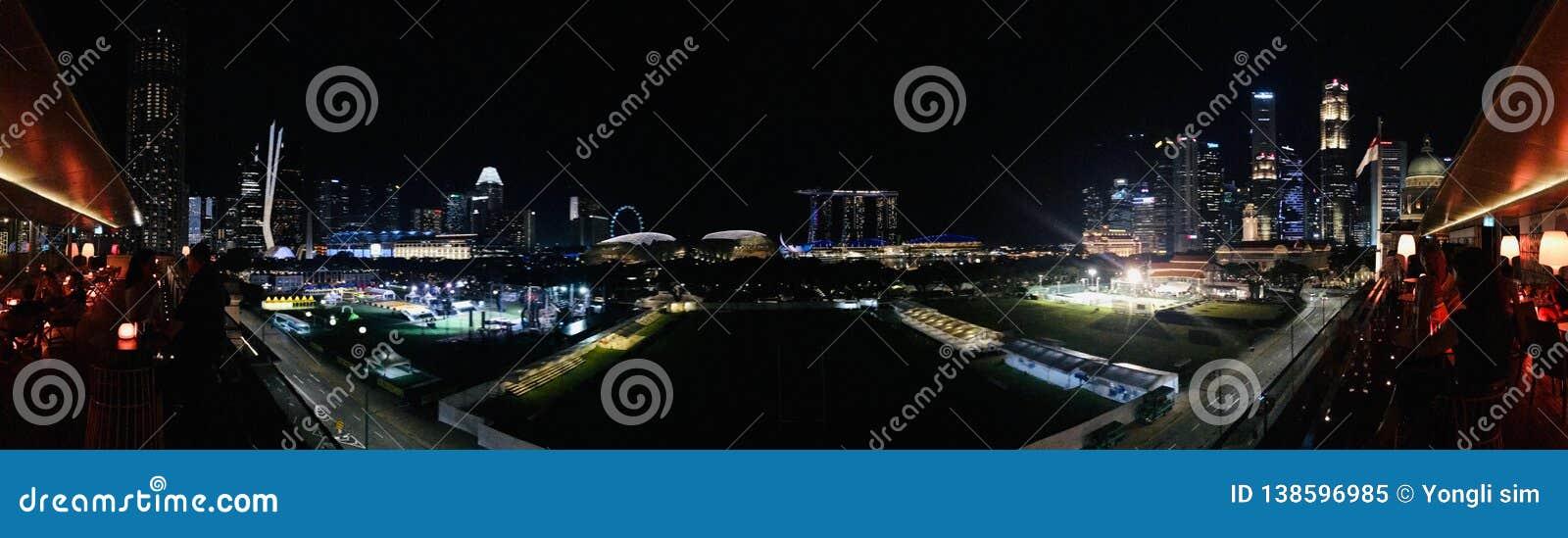 Nachtszenen-Singapur-Handelsmitte 02