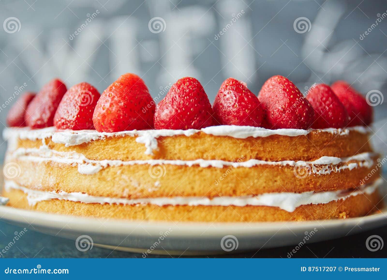 Nackter Keks Kuchen Im Cafe Stockbild Bild Von Klassisch Sahne