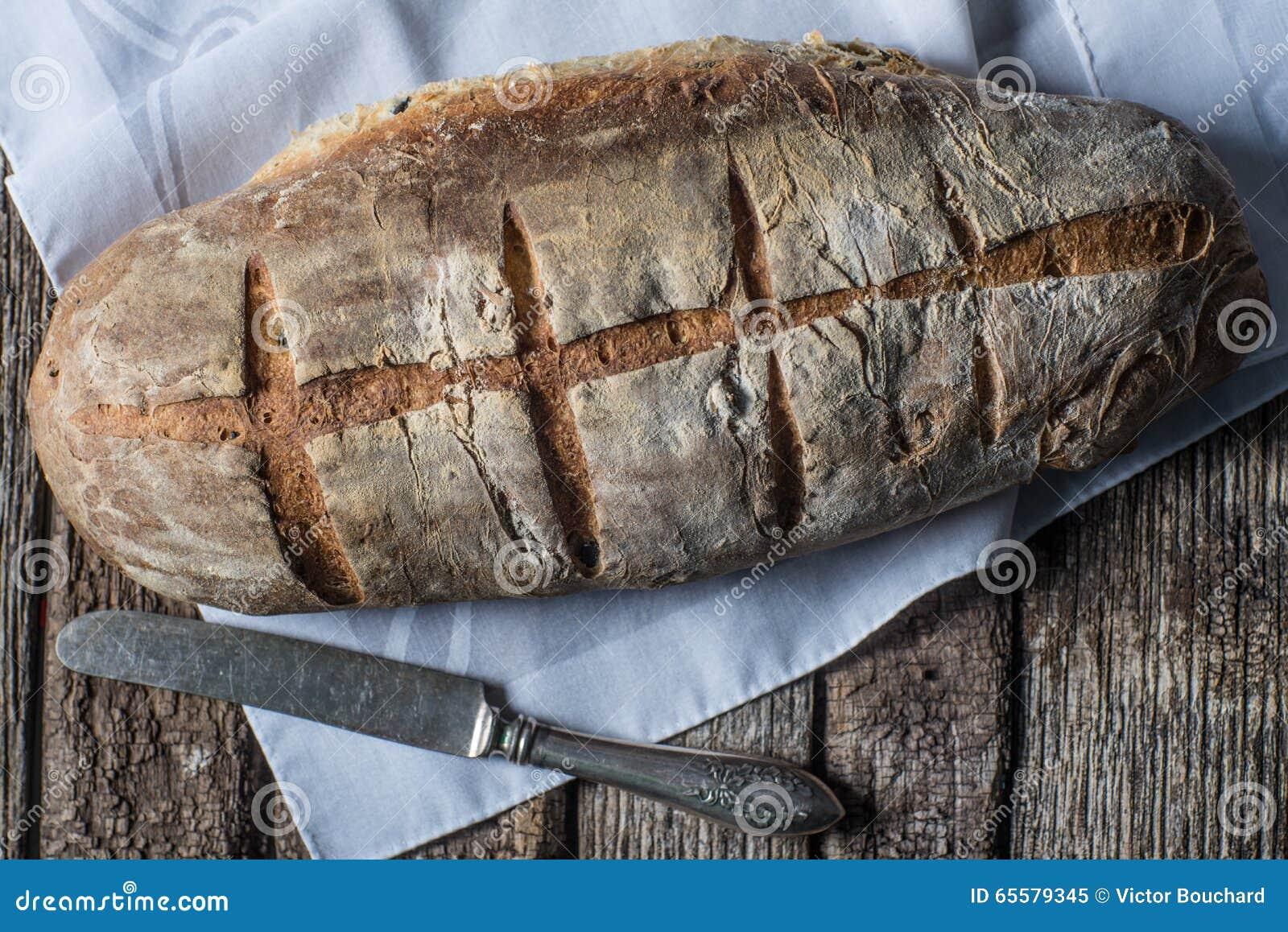 Naco artesão caseiro rústico do pão cozido