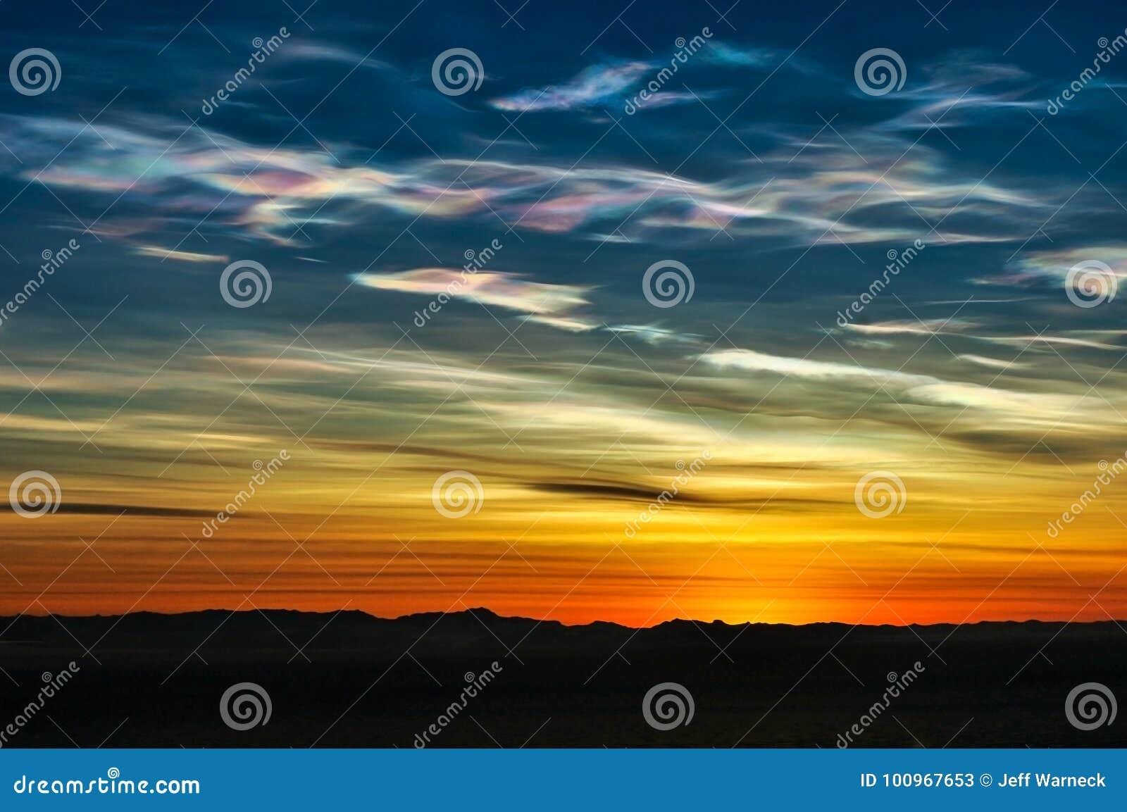 Nacreous cloud formation