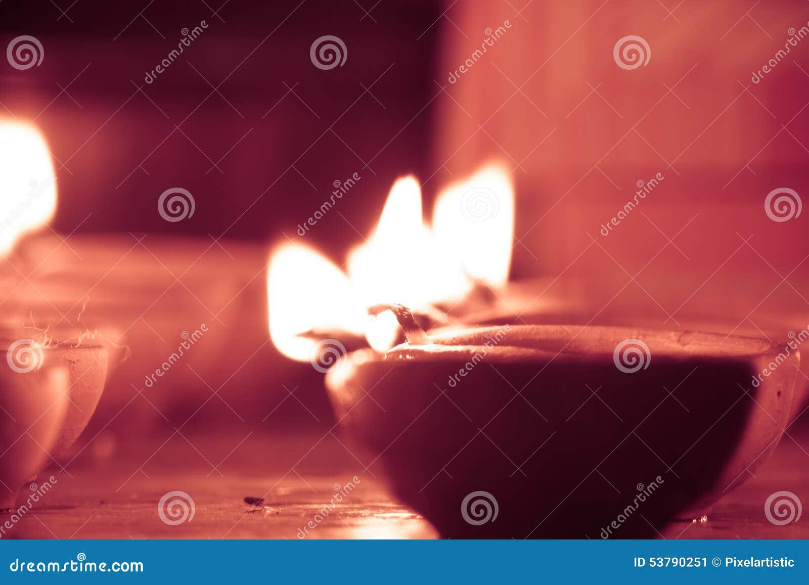 Nafciana lampa zaświecająca jaśnieje, retro spojrzenie