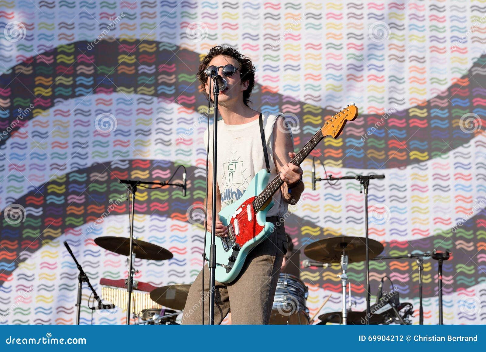 Nagez profondément (groupe pop indépendant) de concert au festival de BOBARD