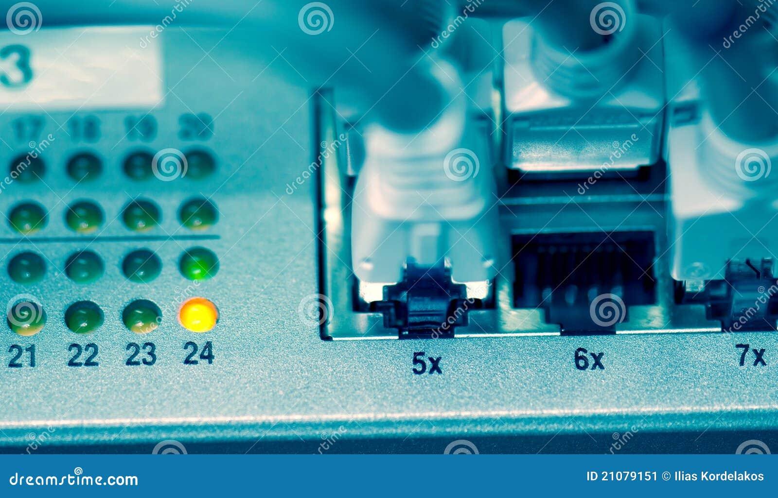 Nahaufnahme des Ethernet-Bolzens und -seilzuges