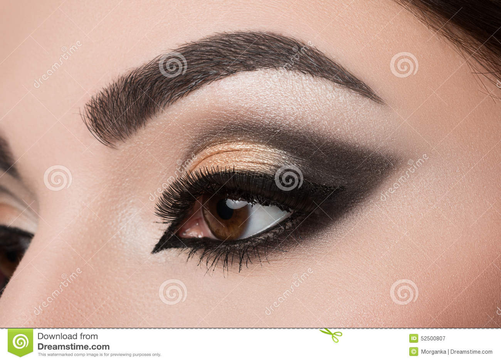 Nahaufnahme Des Frauenauges Mit Arabischem Make Up Stockbild Bild