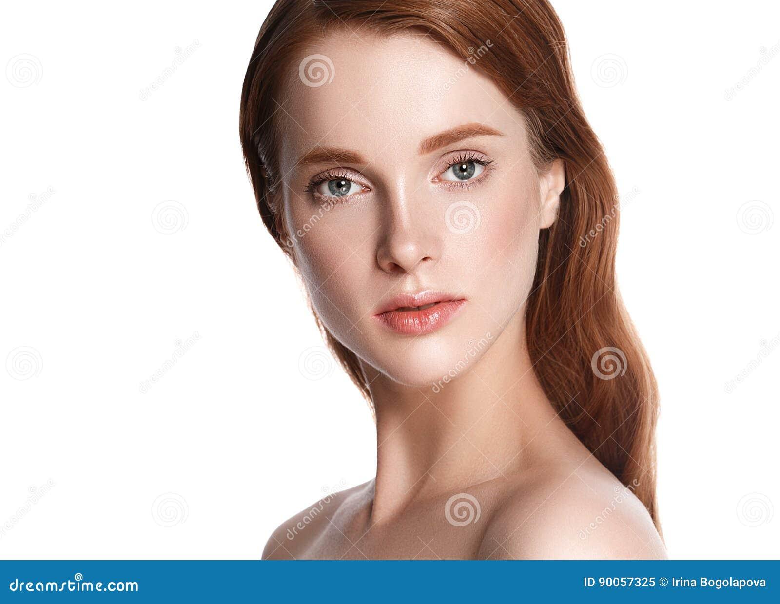 Nahaufnahme-Schönheitsporträt der Frau kosmetisches, für Salon schönes peop