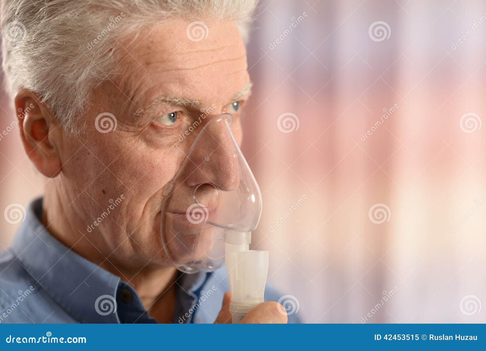 Nahaufnahmeporträt eines älteren Mannes