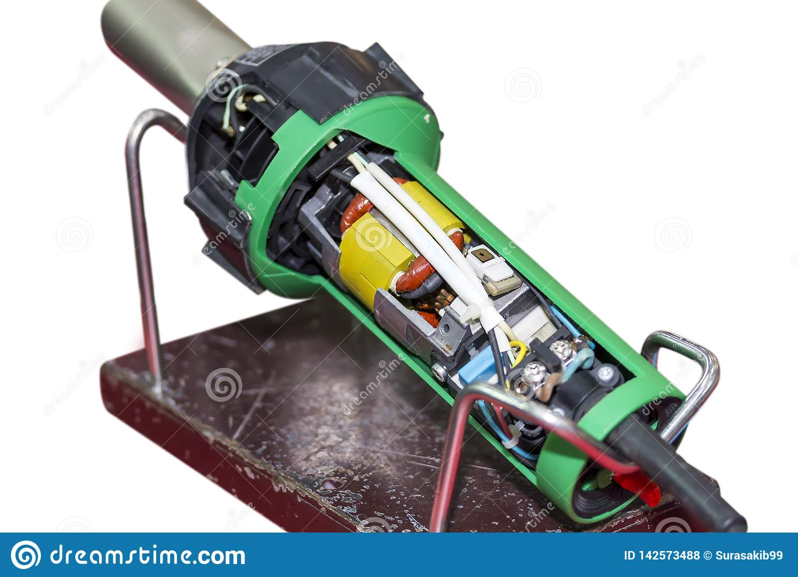 Naher hoher Querschnitt des Plastikschweißgeräts des Extruders für industrielle Reparatur und Wartung lokalisiert auf weißem Hint