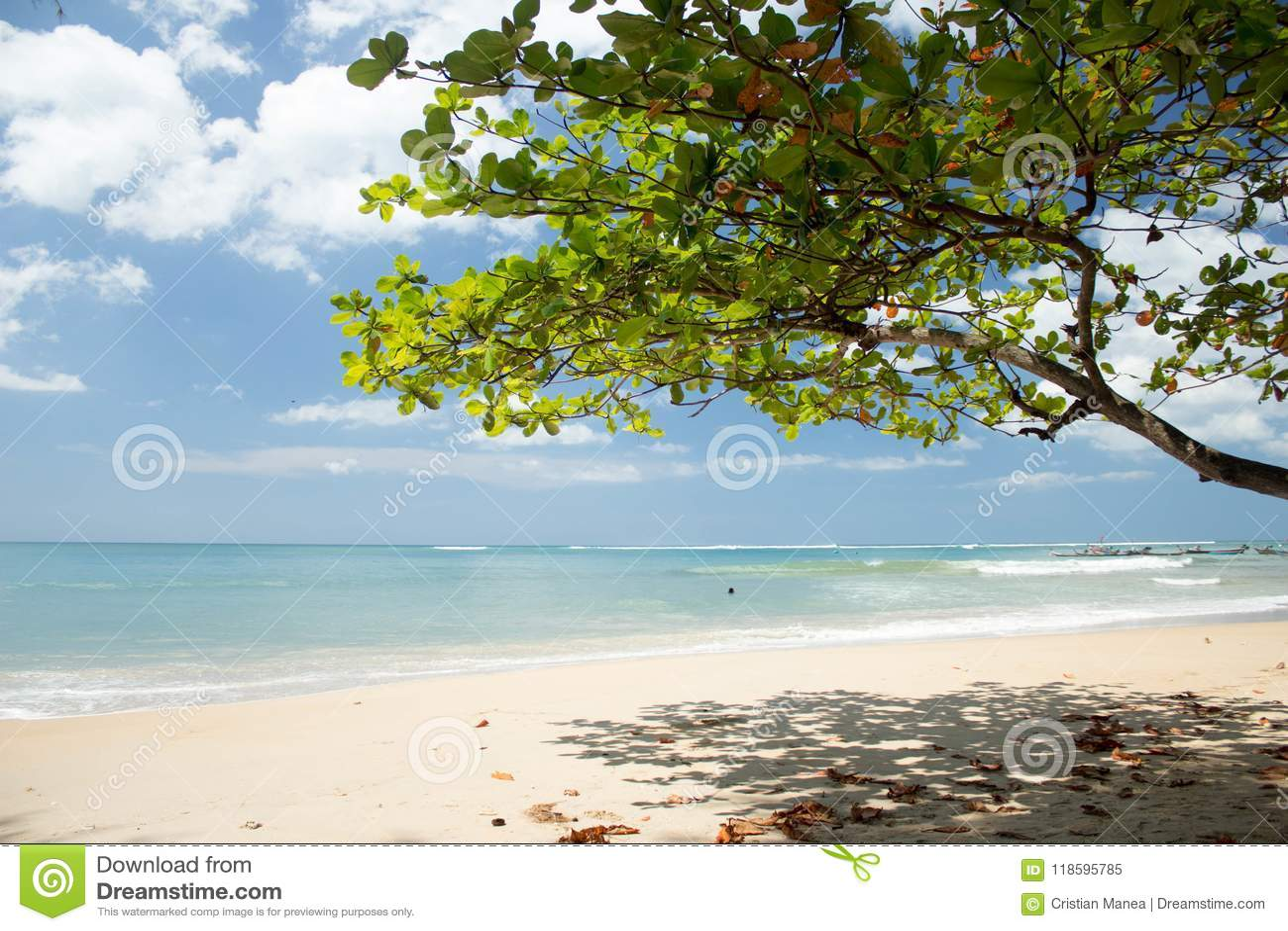 NAI YANG Beach en la isla de Phuket, Thailand-3