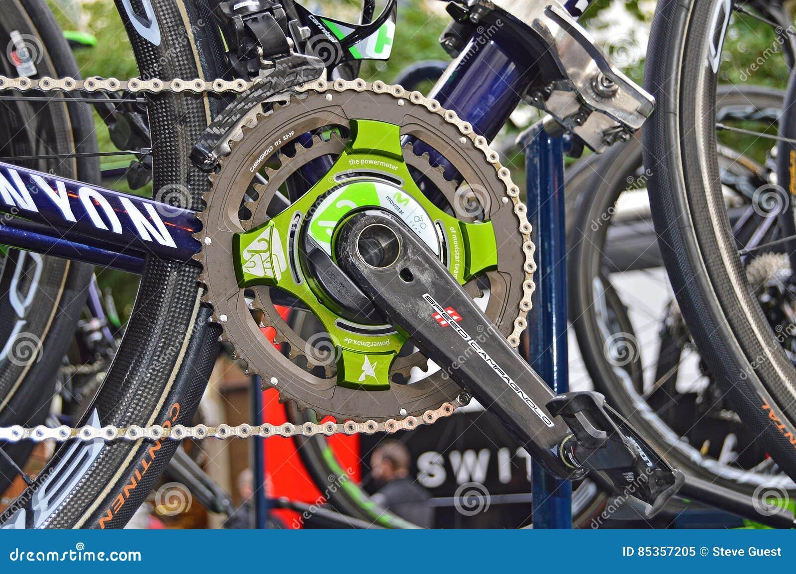 Nairo金塔纳在他的种族自行车的功率表