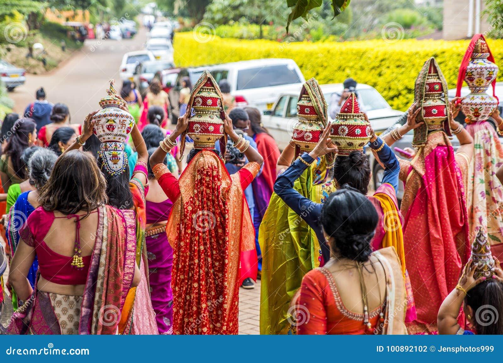 Matrimonio In Kenia : Samburu matrimonio tradizionale da sinistra a destra miglior uomo