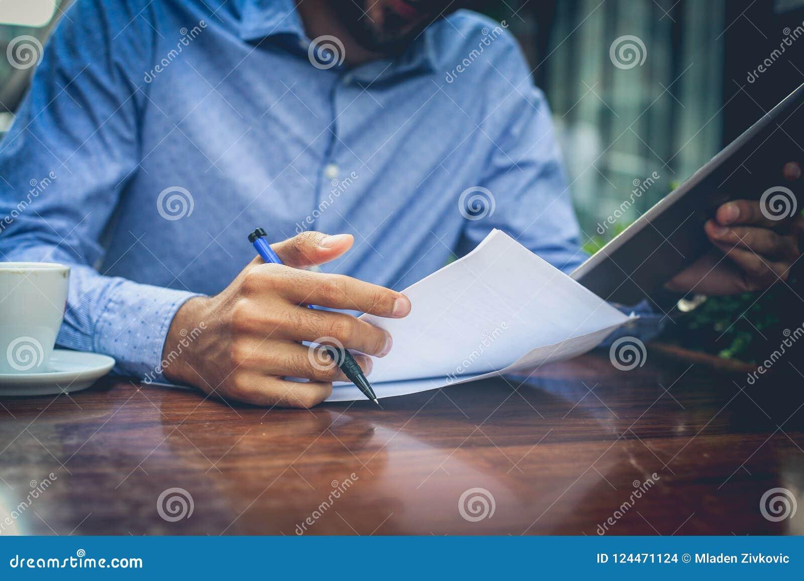 Najpierw wszystko, sprawdzać papier