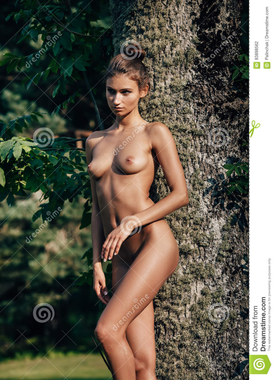 nude hot girls standing