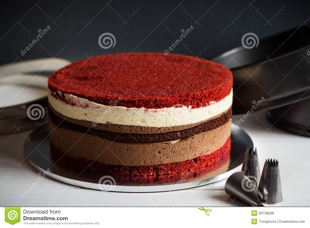 Naked Layer Cake With Red Velvet And Chocolate Biscuit And Cream ...