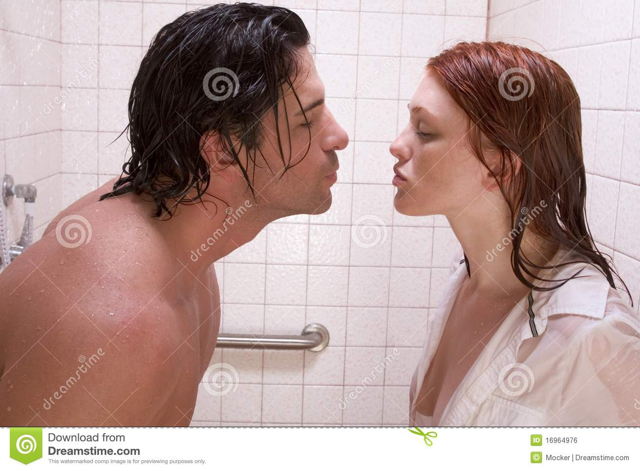 naked couples in the shower kissing