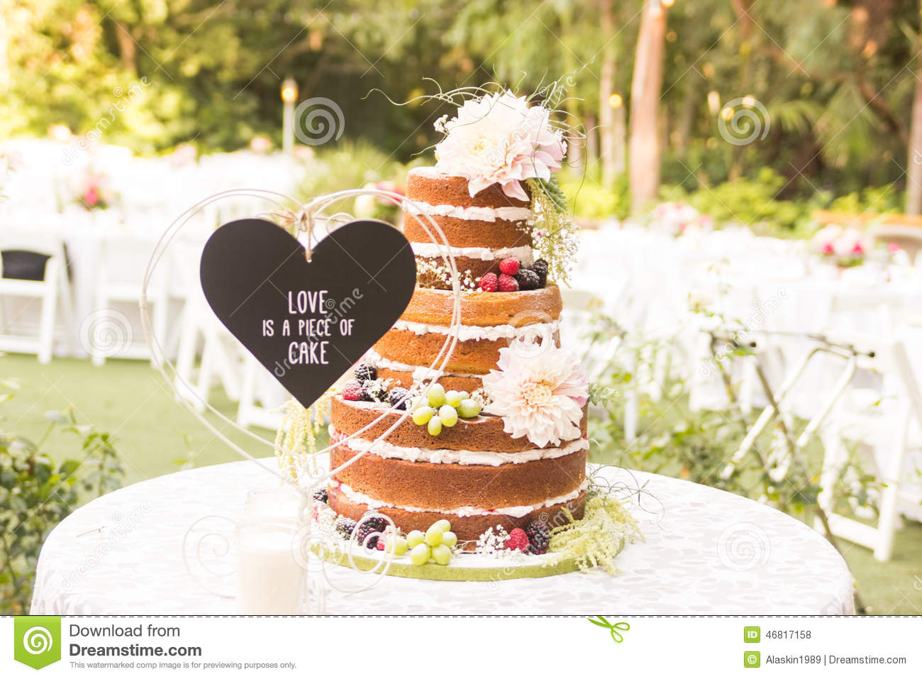 18 063 Wedding Cake Frosting Photos Free Royalty Free Stock Photos From Dreamstime