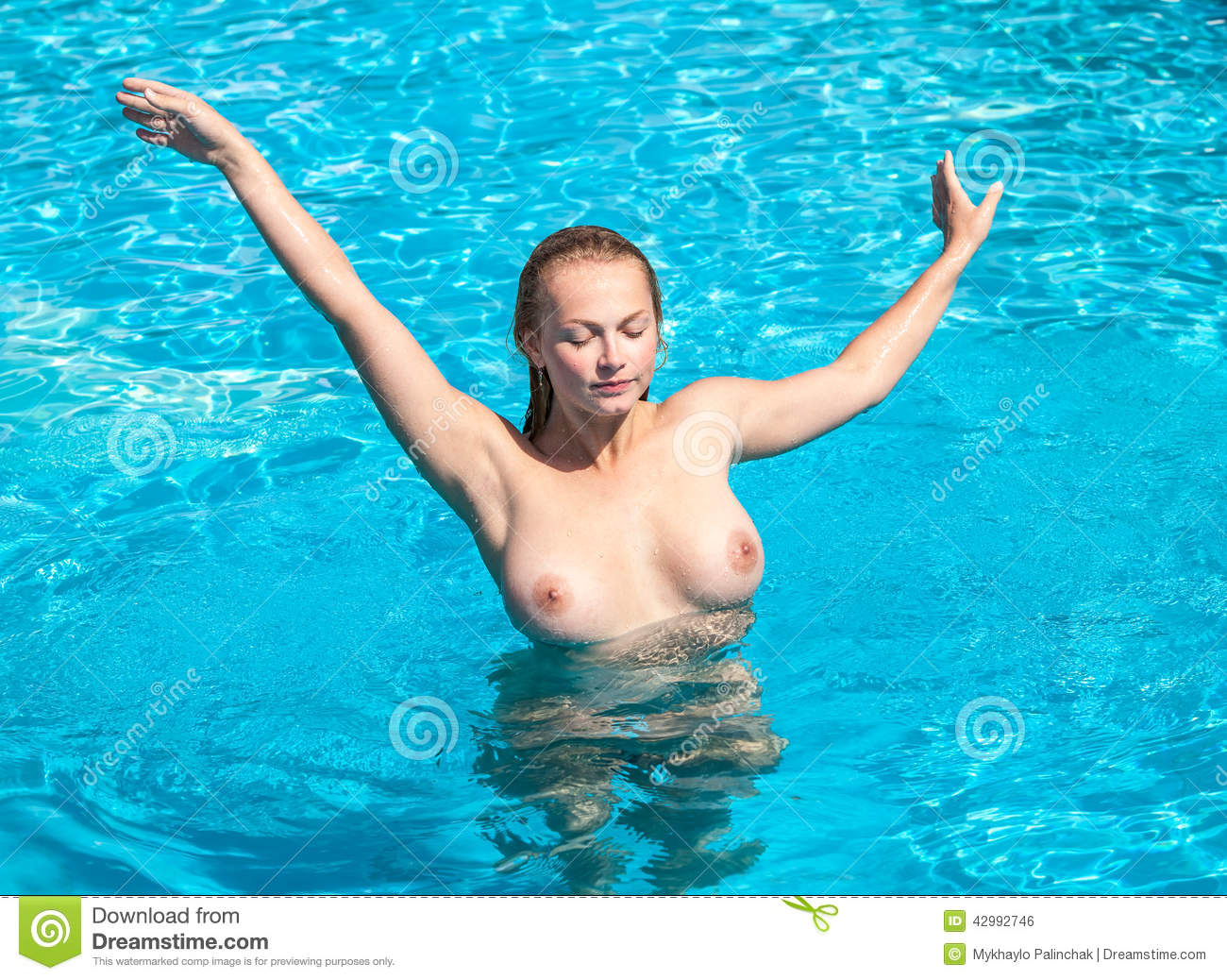 Beautiful naked women swimming picture