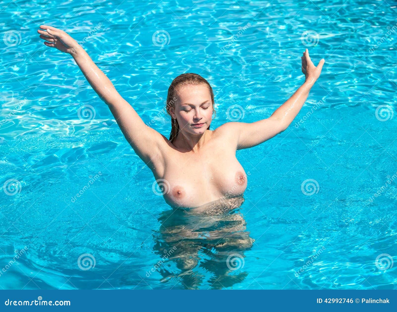 nude women in pools