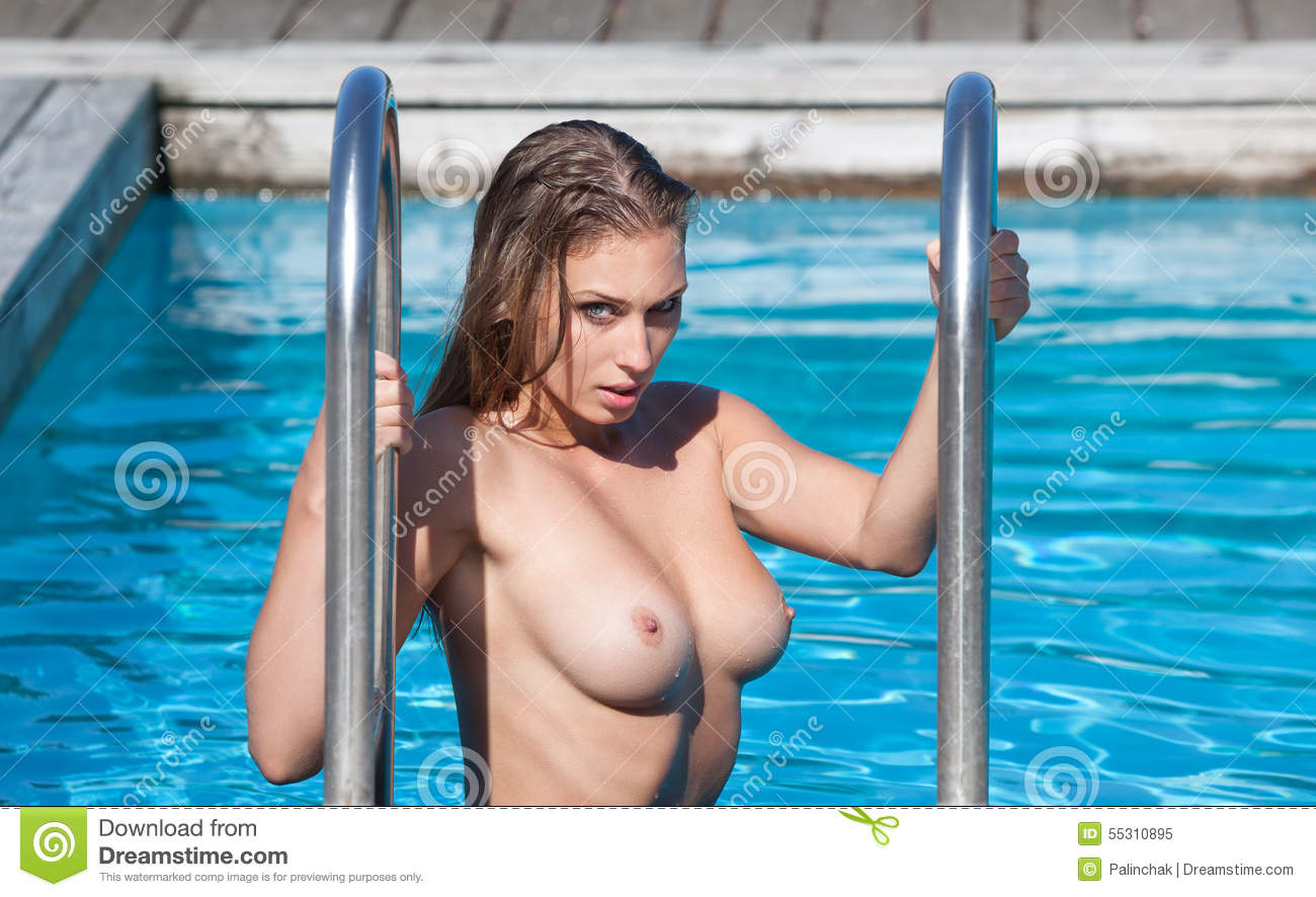 young-college-girl-swim-nude-black-granny