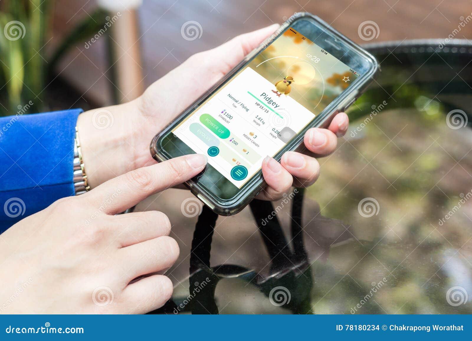 Nakhonratchasima ΤΑΪΛΑΝΔΗ στις 6 Σεπτεμβρίου 2016: Το Pokemon πηγαίνει app, ένα φ