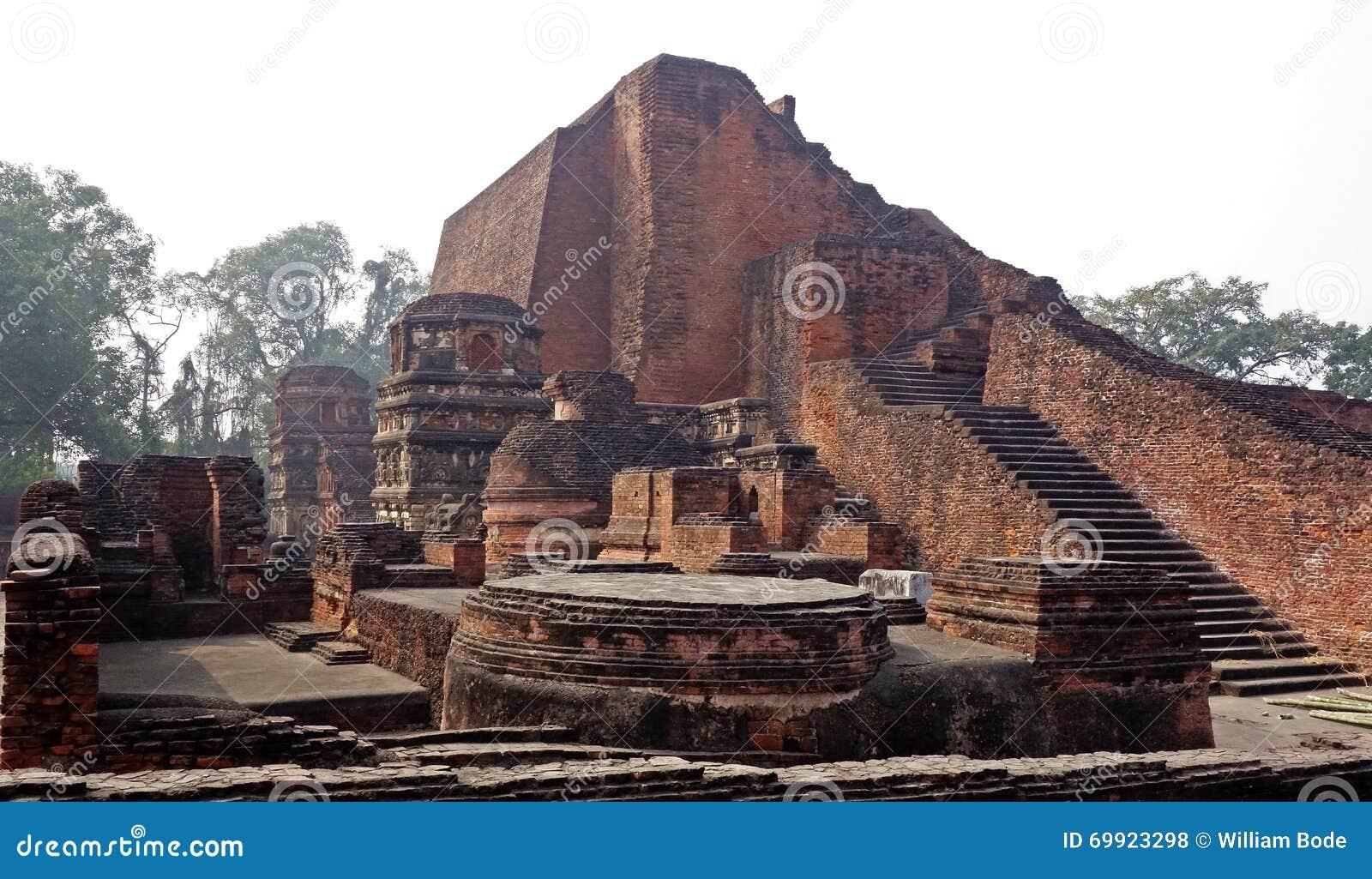 Nalanda Mahavihara губит главный висок 1