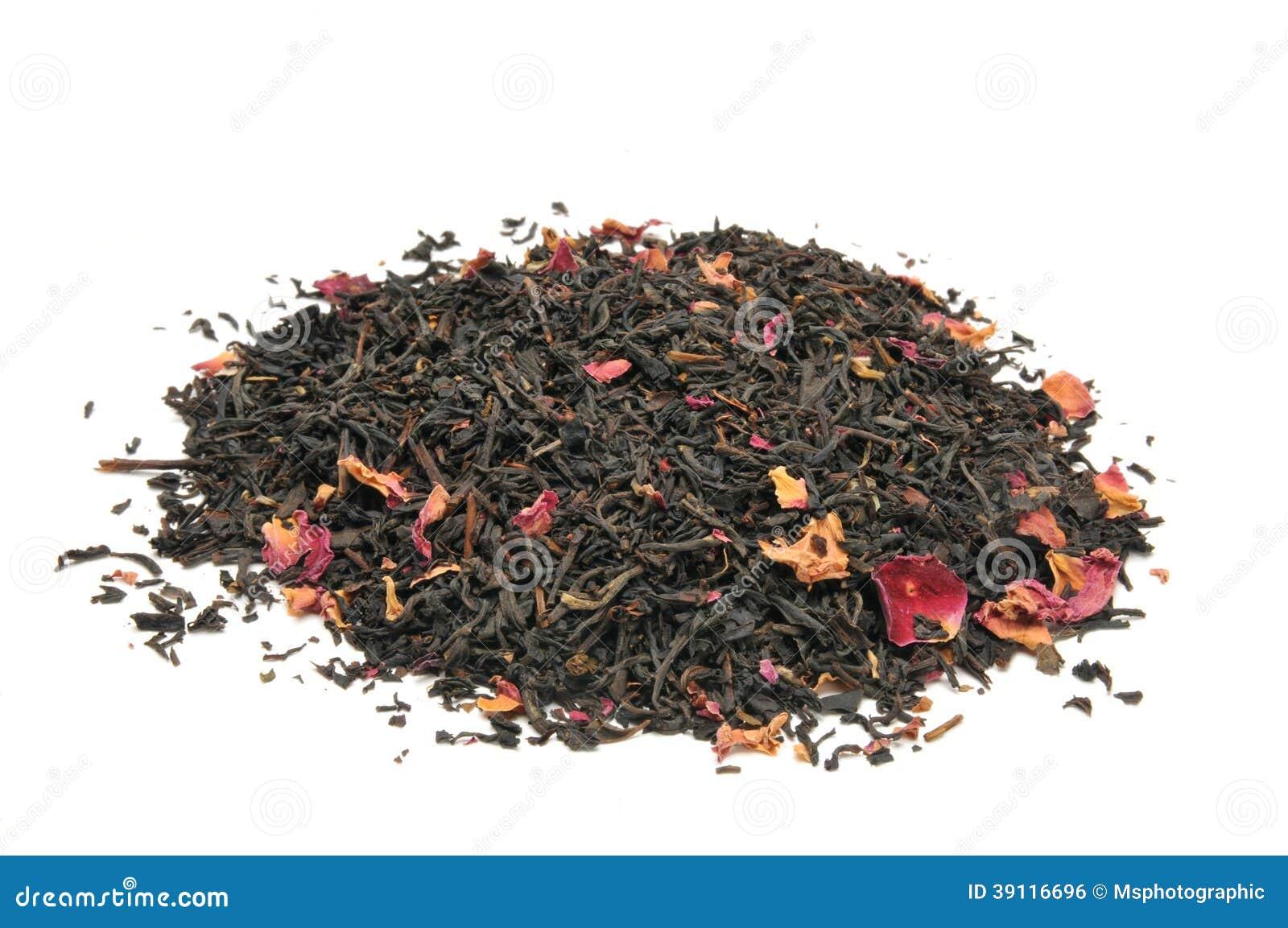 Nam gegoten zwarte thee toe
