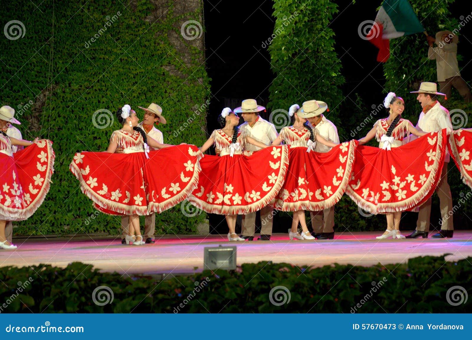 Namiętny taniec w czerwonym i białym