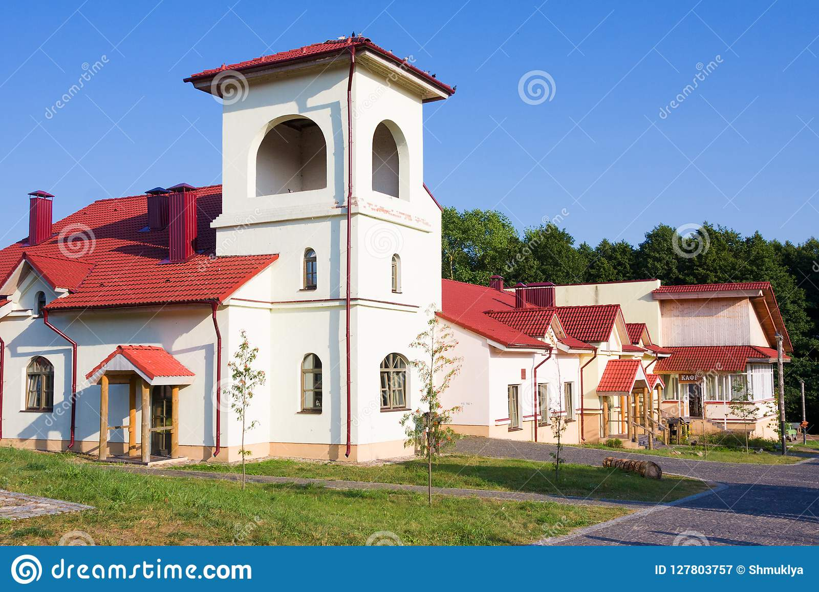 Ethnocultural complex Nanosy-Novoselye. It is historical recreation complex, which makes it pos