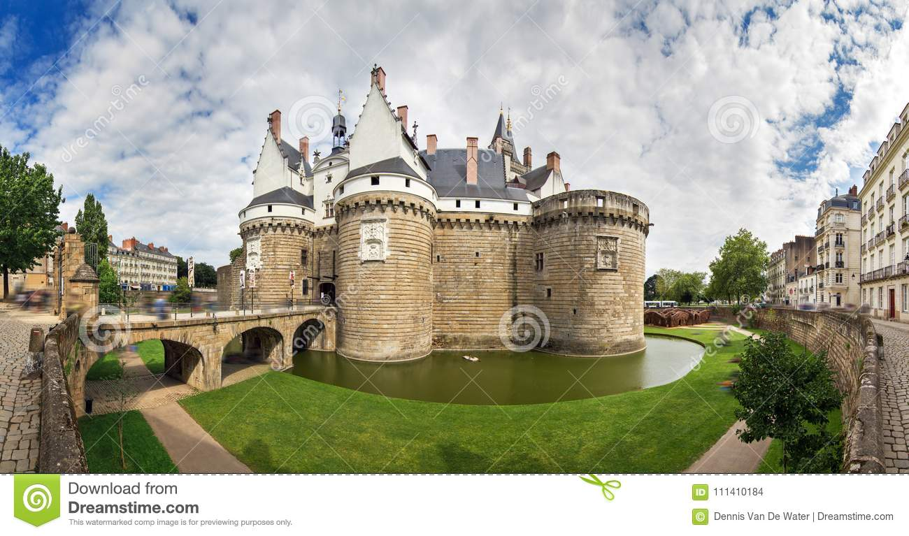 83ba026405 Beautiful panoramic cityscape view of The Château des ducs de Bretagne  Castle of the Dukes of Brittany a large castle located in the city of Nantes