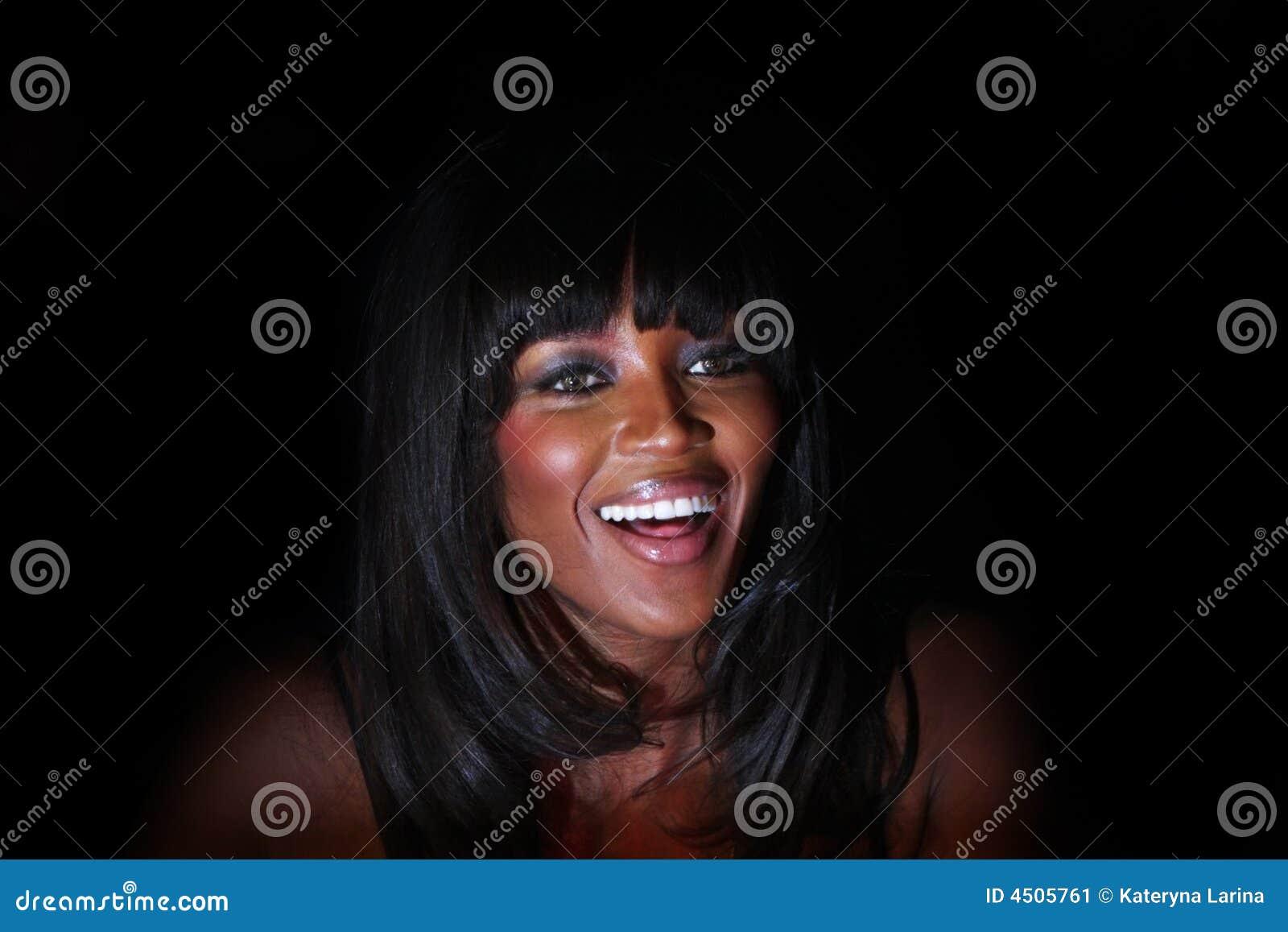 Naomi campbell, uśmiechnij się