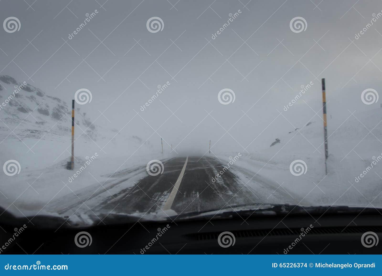 Napędowa samochodowa halna droga