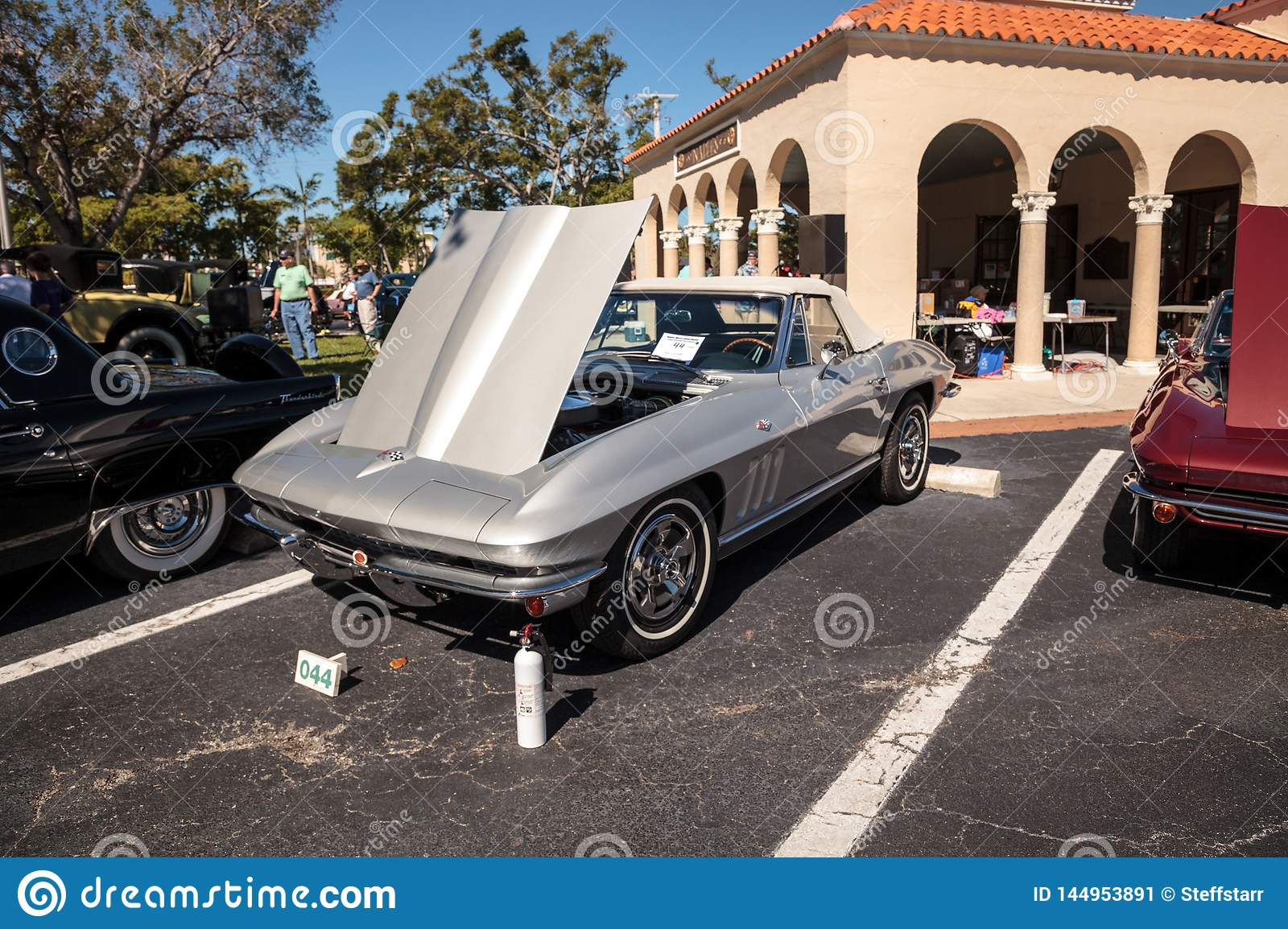 Naples Car Show >> Silver 1966 Chevrolet Corvette At The 32nd Annual Naples