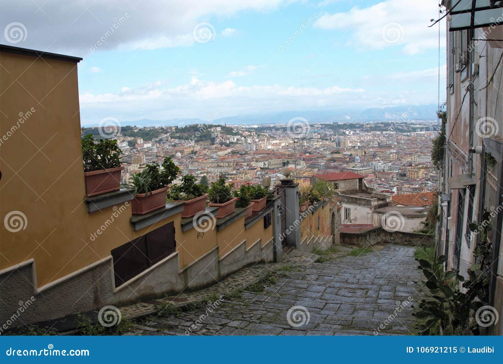Naples starzy schodki