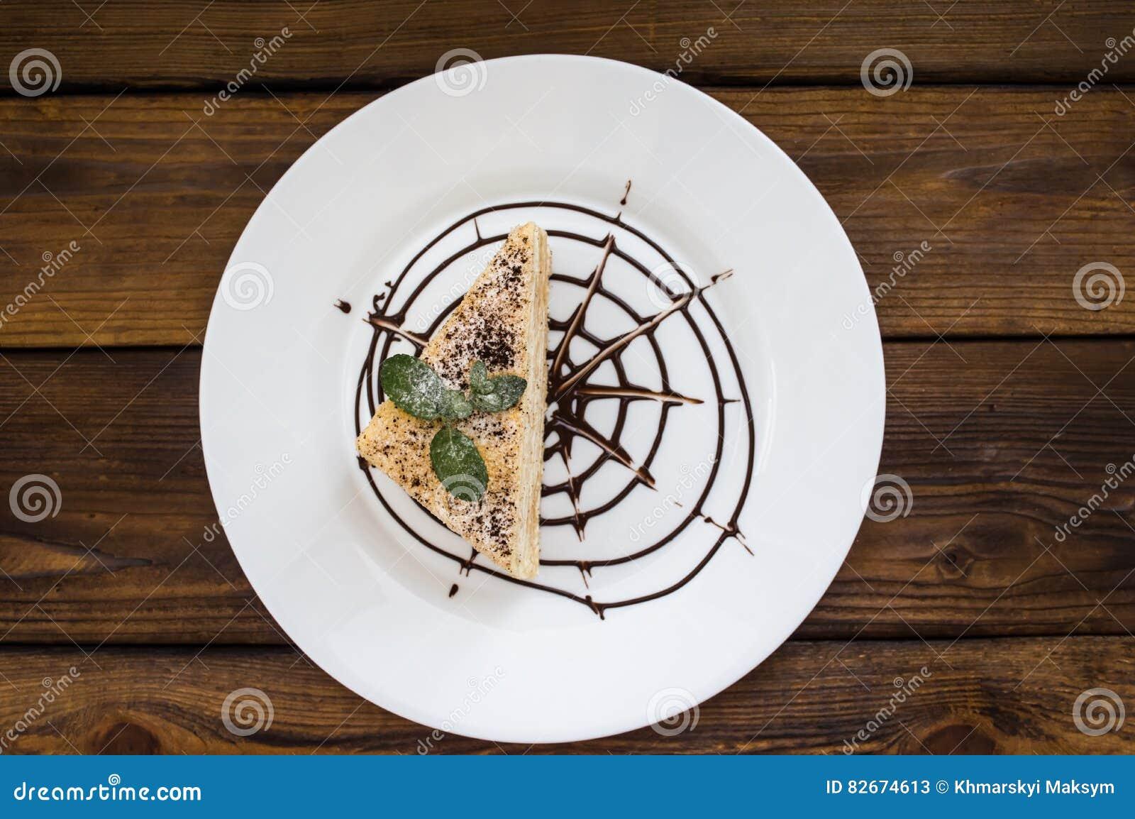 Napoleon Kuchen Mit Tadellosen Blattern Und Schokolade Auf Einer
