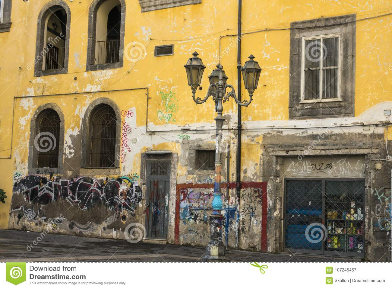 NAPOLI, ITALY - JANUERY 4th, 2018: View Of Naples Street Editorial ...