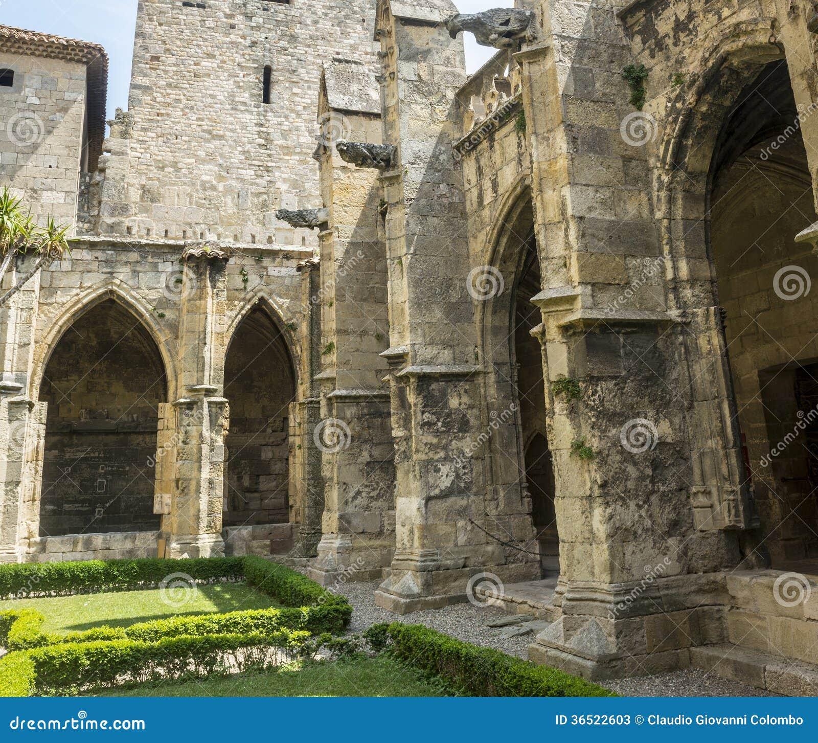 Narbonne, cloître de cathédrale