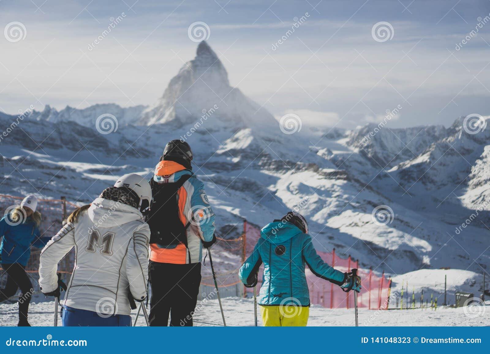 Narciarstwo w Switzerland Matterhorn zermatt