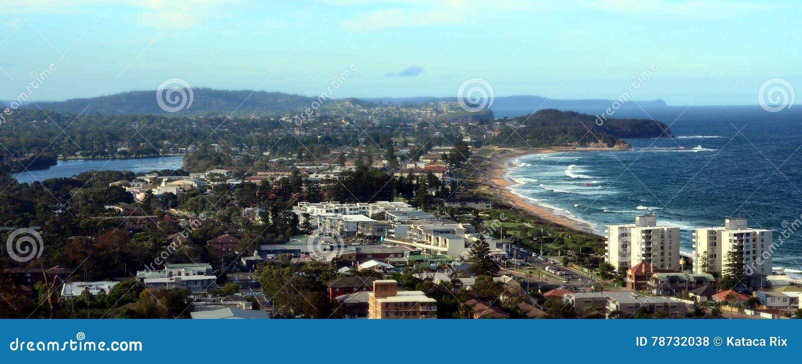 Narrabeen strand från den Collaroy platån