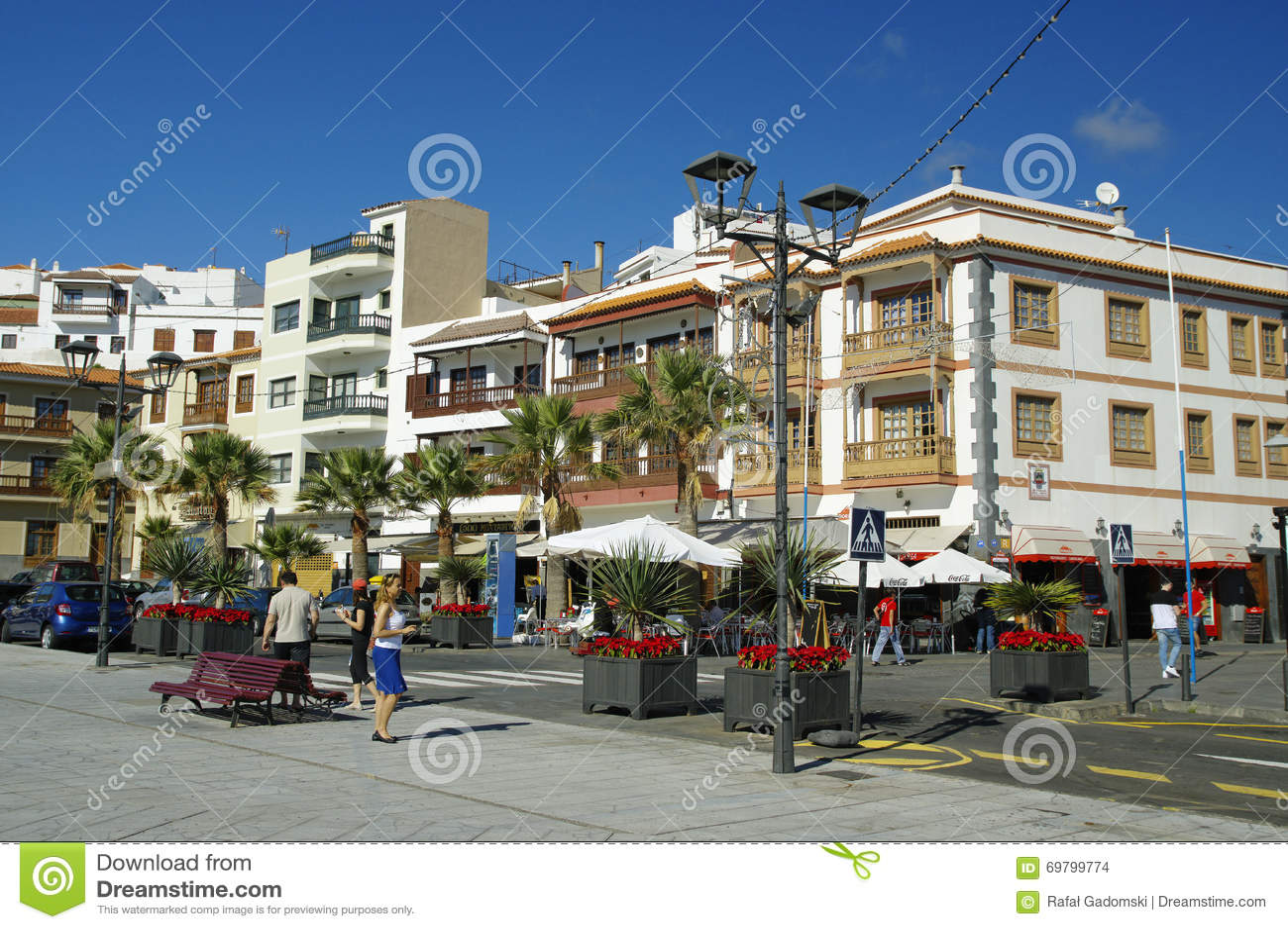 Narrow street in Candelaria