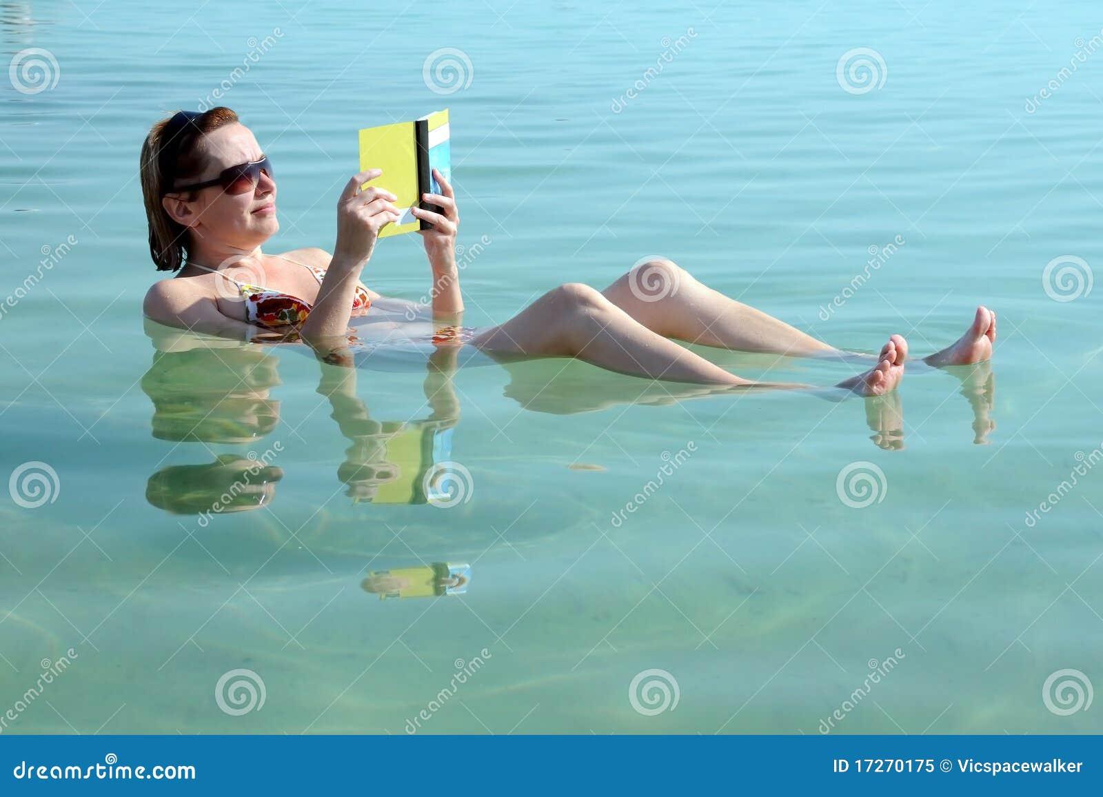 Nas águas do mar inoperante