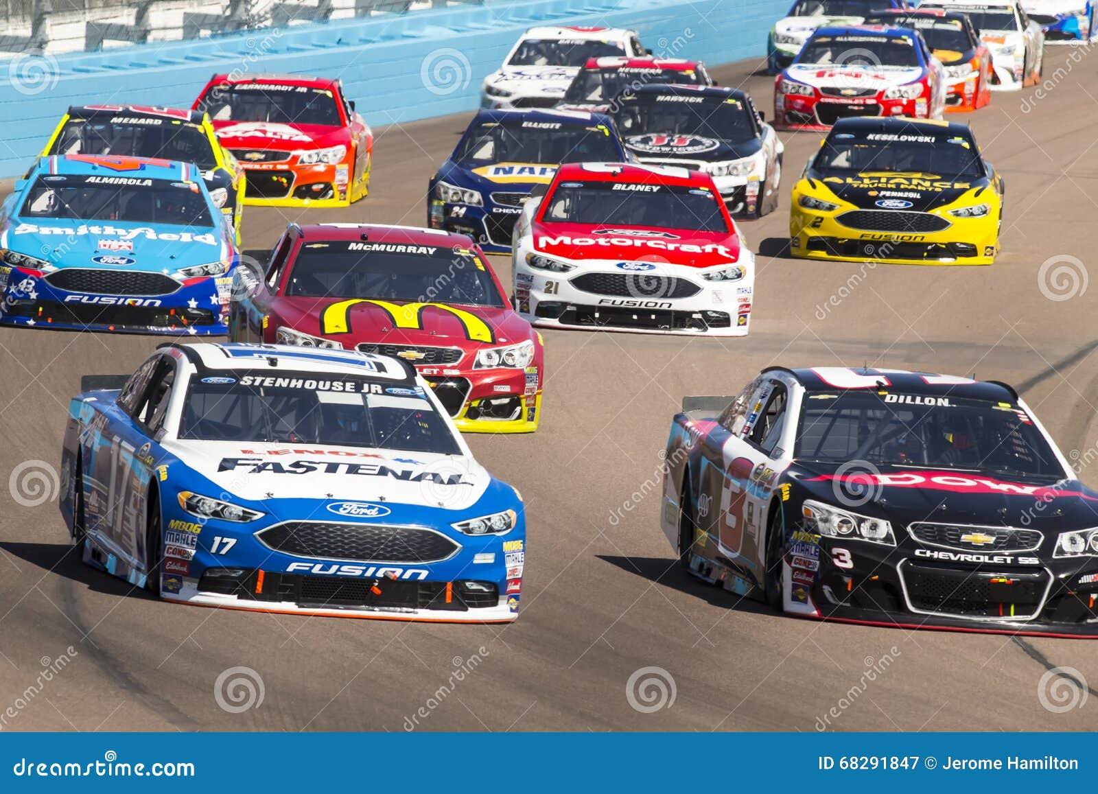 NASCAR: Breng 13 Goede SAM 500 in de war