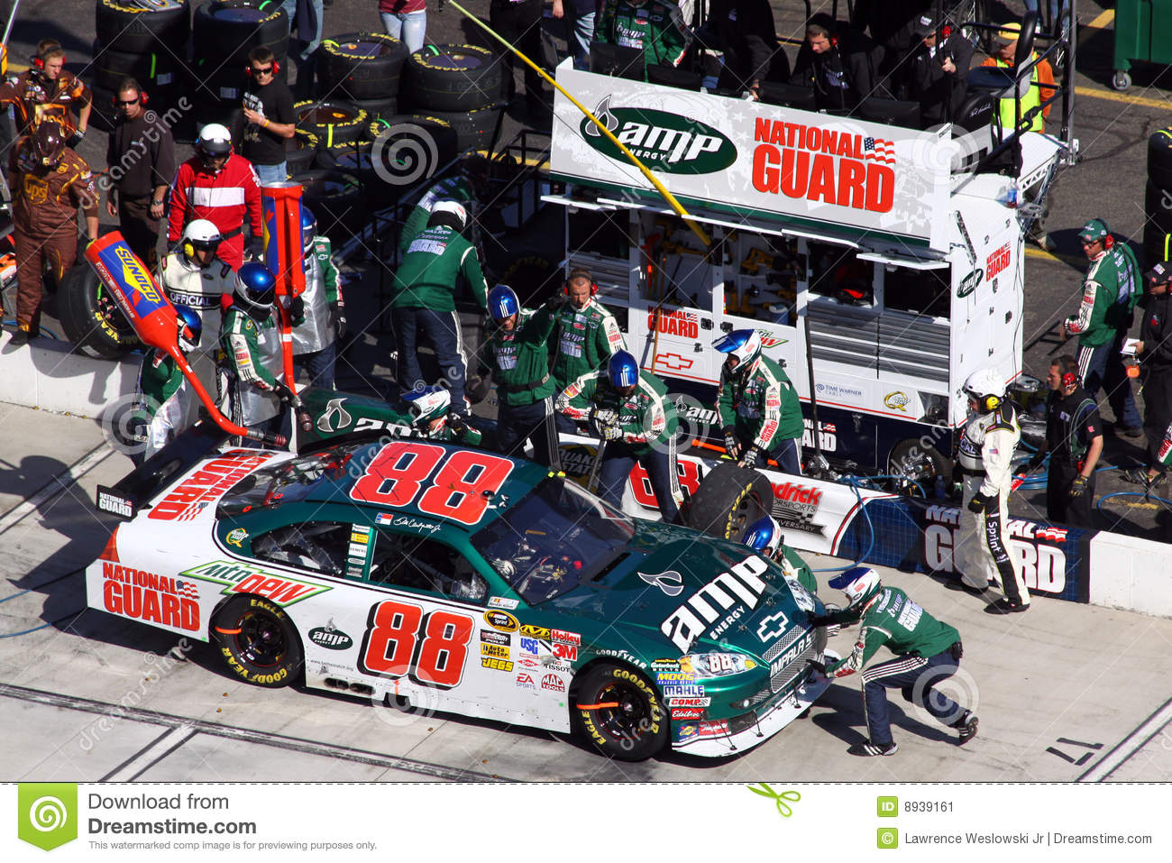 NASCAR - Dale Jr Pit Stop #1 Editorial Photo - Image: 8939146