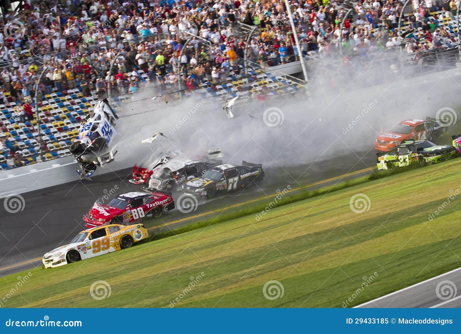 NASCAR: Destruições de Kyle Larson no daytona
