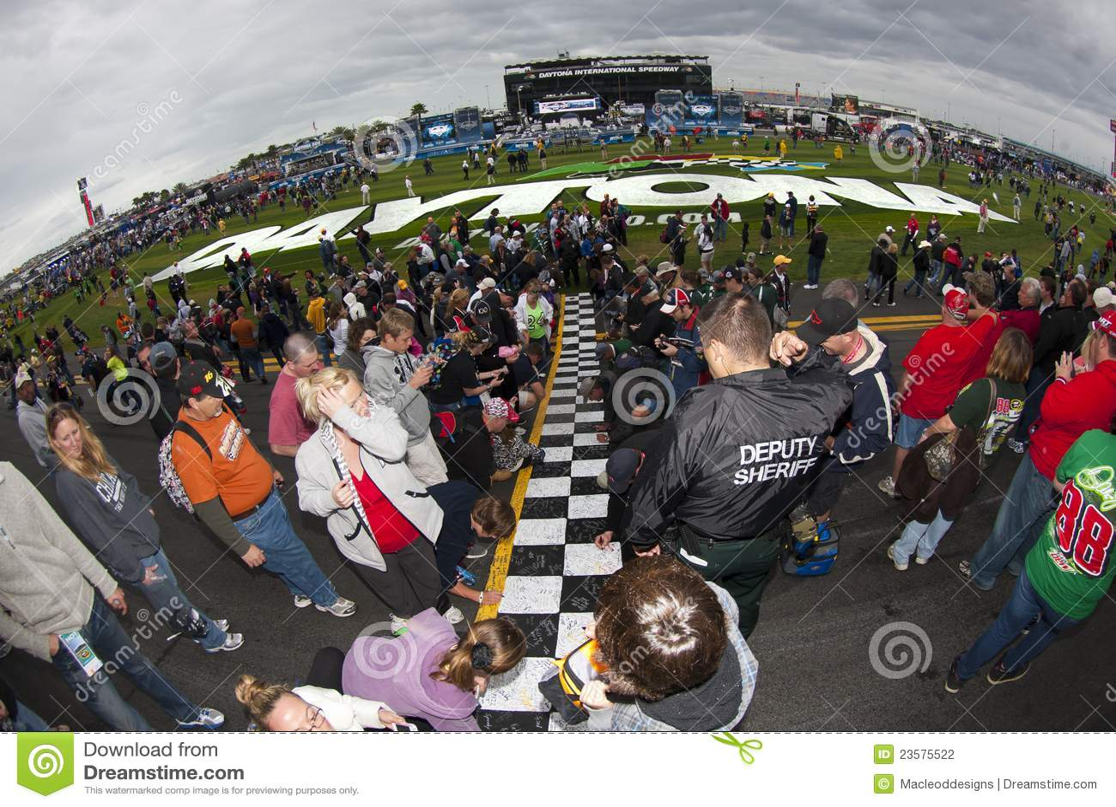 Nascar Fans Sign Daytona Start Finish Line Editorial Photography