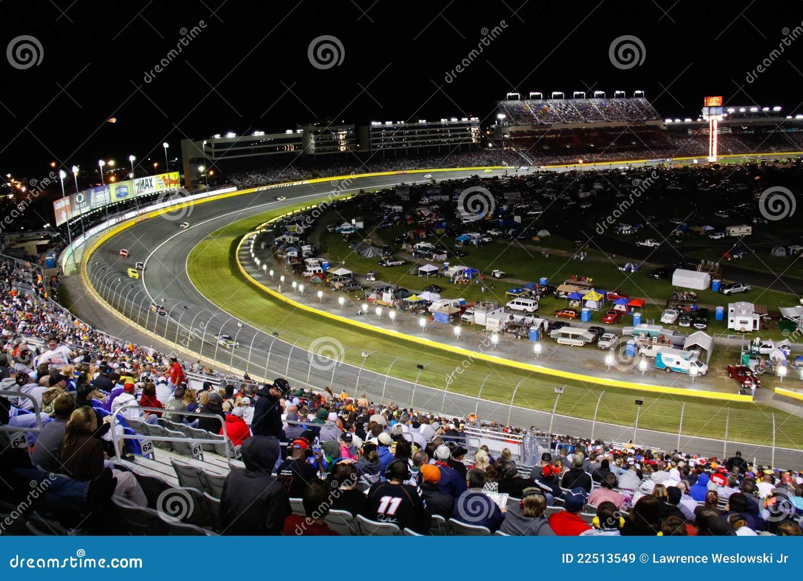 NASCAR - Gara motociclistica su pista del motore di Charlotte di girata 2