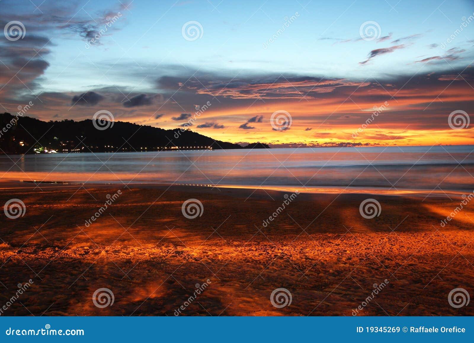 Nascer do sol da praia